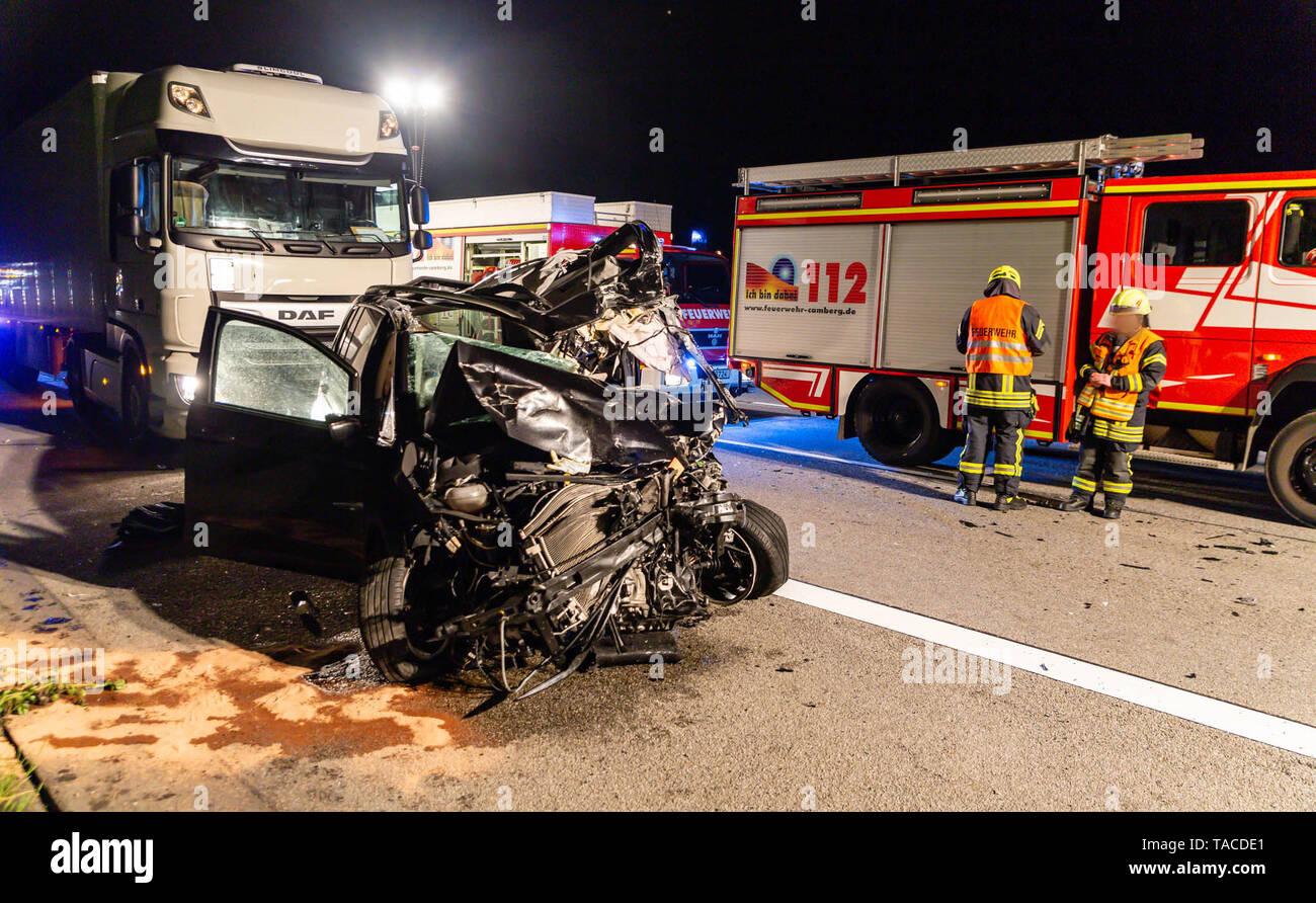 Bad Camberg, Germany  24th May, 2019  A badly damaged car is