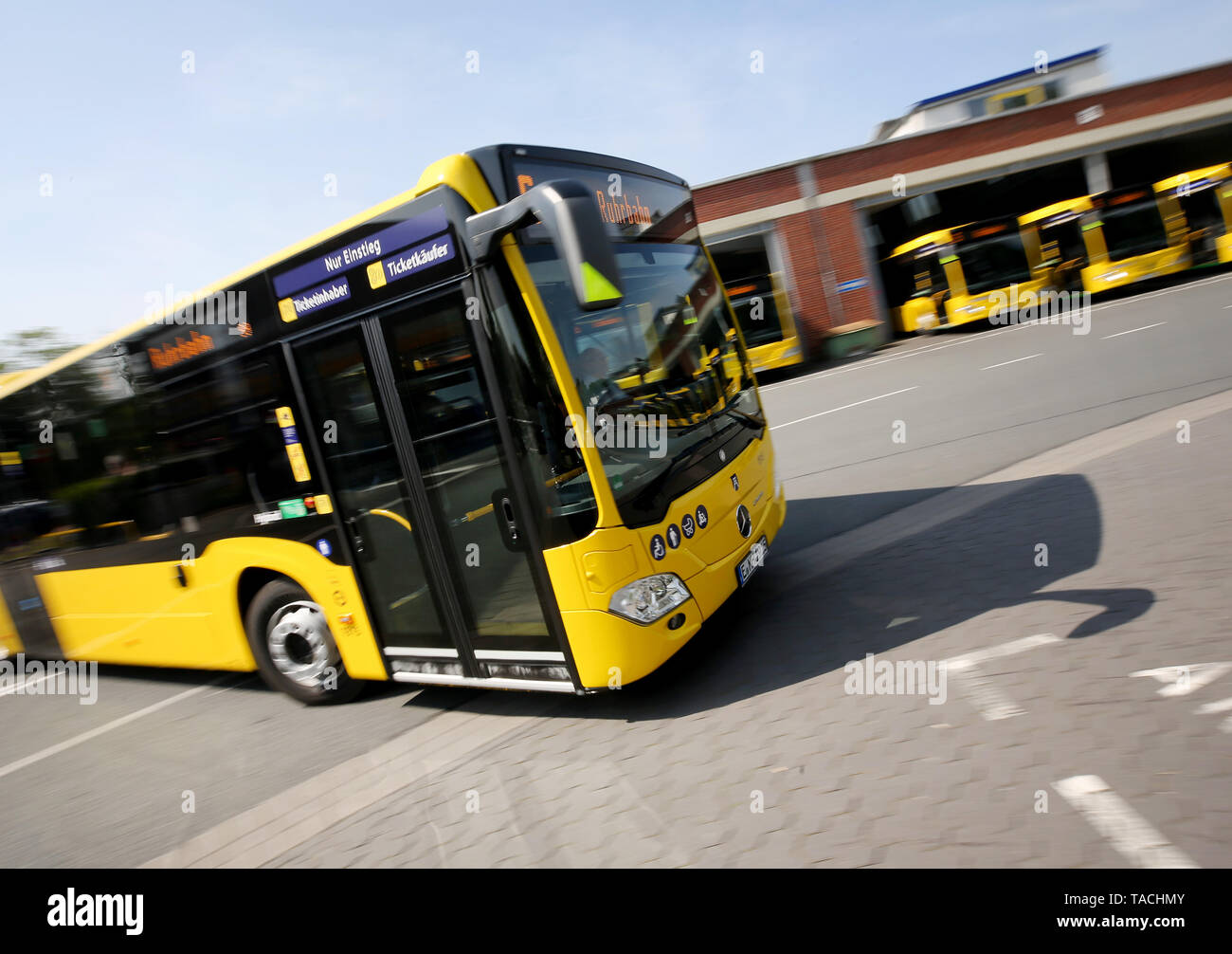 Essen, Germany. 24th May, 2019. New hybrid buses are presented at the Ruhrbahn depot. The total of 45 buses with 'mild hybrid technology' meet the currently cleanest diesel environmental standard, the presentation said. Credit: Roland Weihrauch/dpa/Alamy Live News - Stock Image