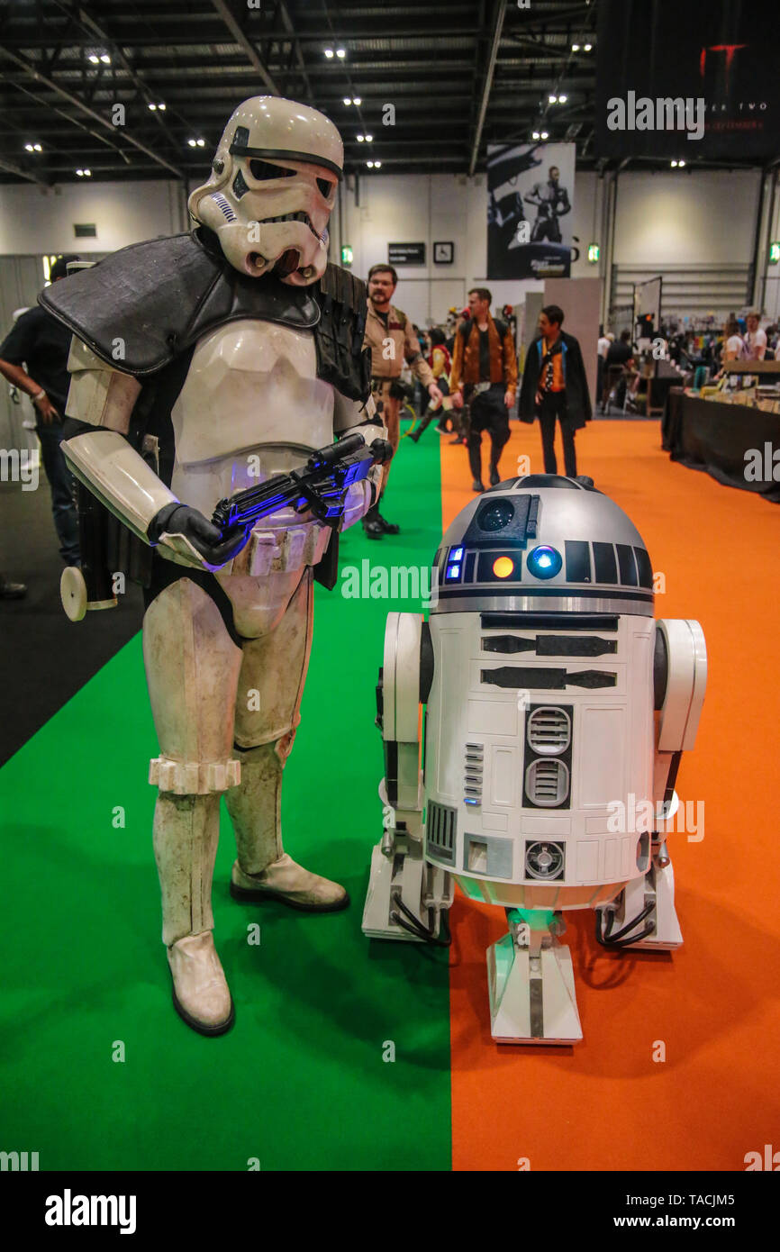 London, UK. 24th May, 2019. London Comic Con; the event with a primary focus on comic books and comic book culture, in which comic book fans gather to meet creators, experts, and each other. Commonly, Comic Convention is a multi-day event at London Excel which welcome's hundreds of Cos players dressed as super heroes, villains and favorite TV film or comic characters in costumes and the event is full of fun and color.Paul Quezada-Neiman/Alamy Live News Credit: Paul Quezada-Neiman/Alamy Live News - Stock Image