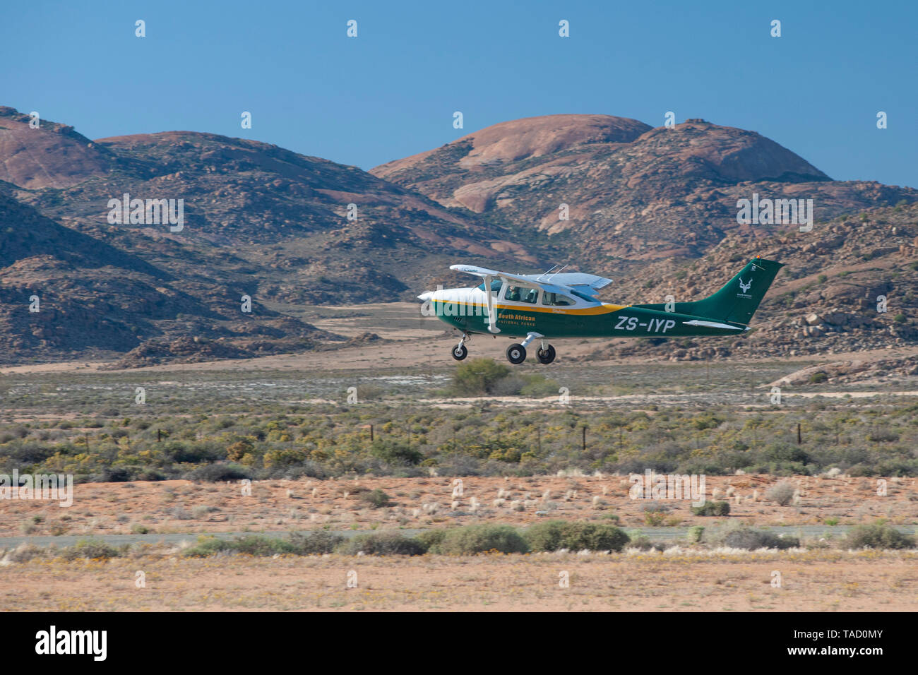Cessna 182 Stock Photos & Cessna 182 Stock Images - Alamy