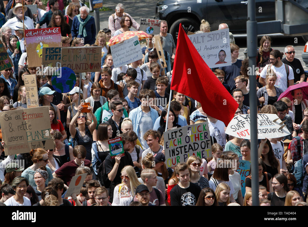 Frankfurt, Germany. 24th May 2019. The protesters march with self-made signs through Frankfurt city centre. Around 4,500 young people marched through Frankfurt to the European Central Bank, to protest against the climate change and for the introduction of measurements against it. The protest took place as part of an Europe wide climate strike, two days ahead of the 2019 European elections. - Stock Image