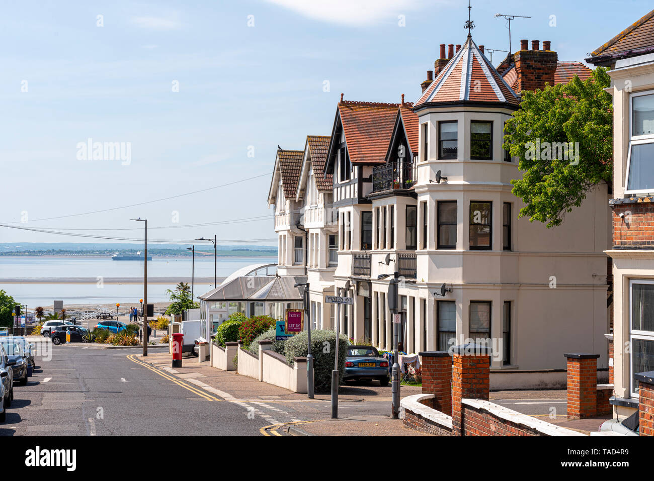 Westcliff Avenue in Westcliff on Sea, Southend, Essex, UK looking towards the Thames Estuary on seafront. Seaside town. Space for copy Stock Photo