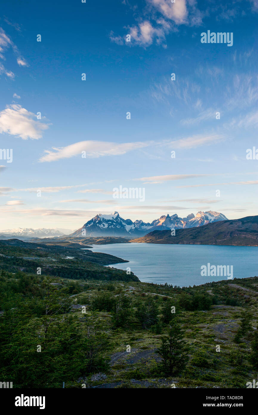 Chile, Patagonia, Late afternoon light in Torres del Paine National Park - Stock Image