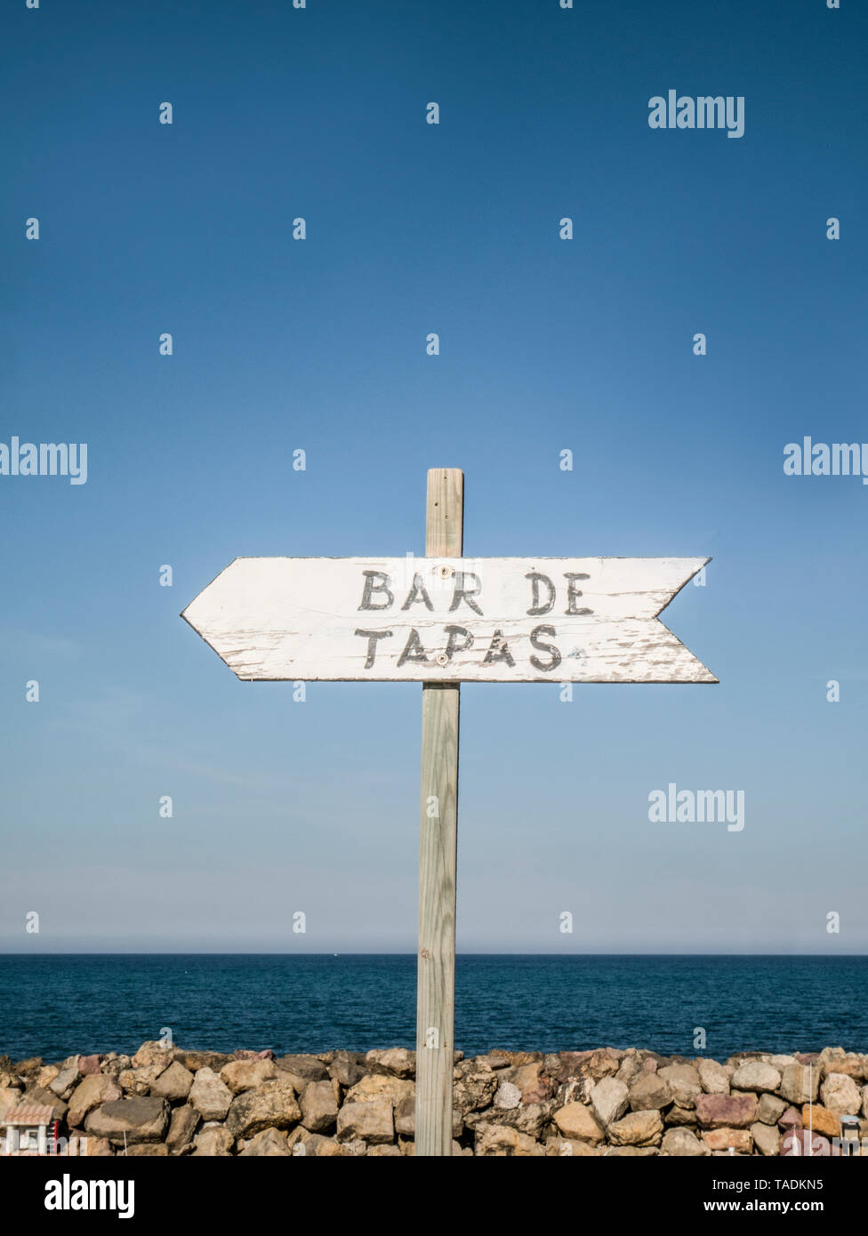 Spain, Mallorca, sign post to Tapas Bar - Stock Image