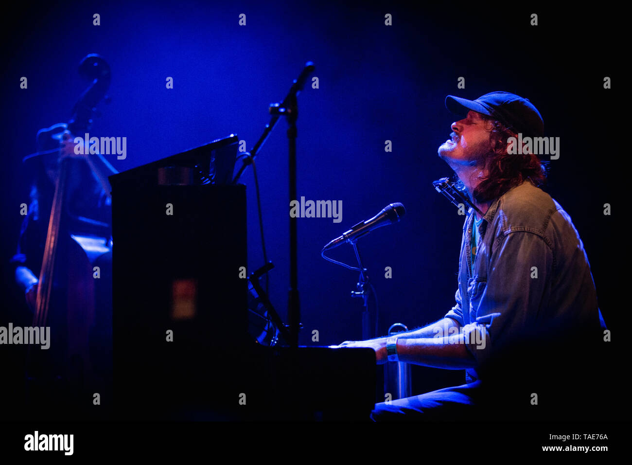 Denmark, Copenhagen - May 18, 2019. The Swedish singer, songwriter and musician Daniel Norgren performs a live concert at VEGA in Copenhagen. (Photo credit: Gonzales Photo - Christian Hjorth). - Stock Image