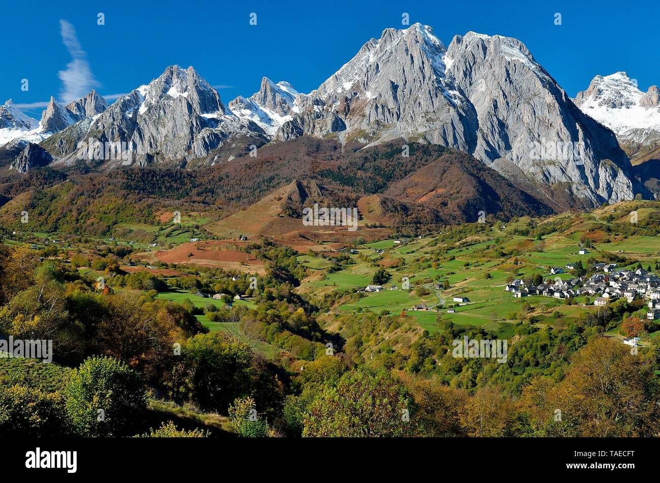 Circus of Lescun in autumn, Aspe Valley, Pyrenees, France Stock Photo