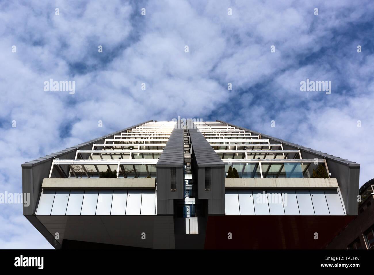Slovenia, Ljubljana, R5 residential building - Stock Image
