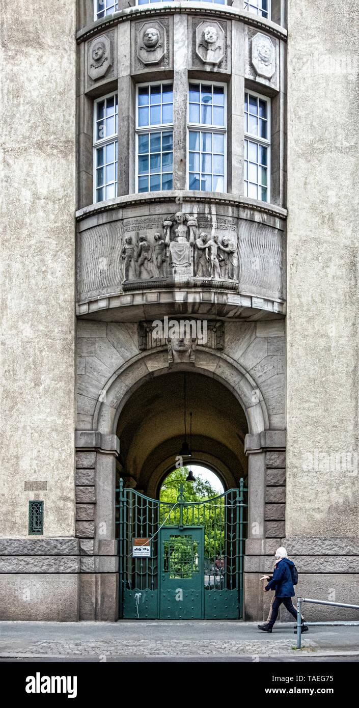 Schiller-Gymnasium, Schiller High School in Historic listed building built 1913 in Berlin, Charlottenburg. Building exterior & facade Stock Photo