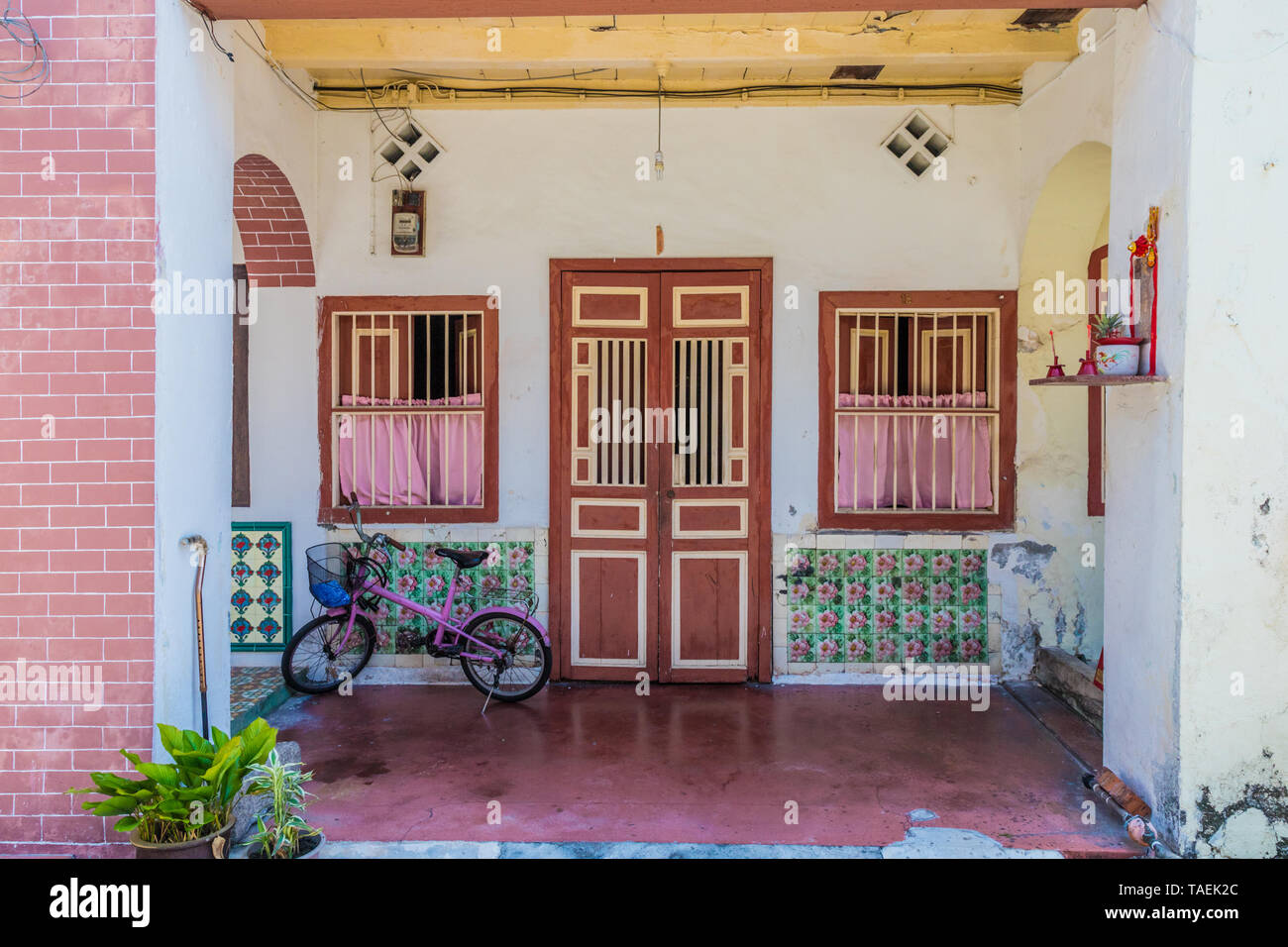 Traditional chinese shophouse architecture in George Town Malaysia Stock Photo