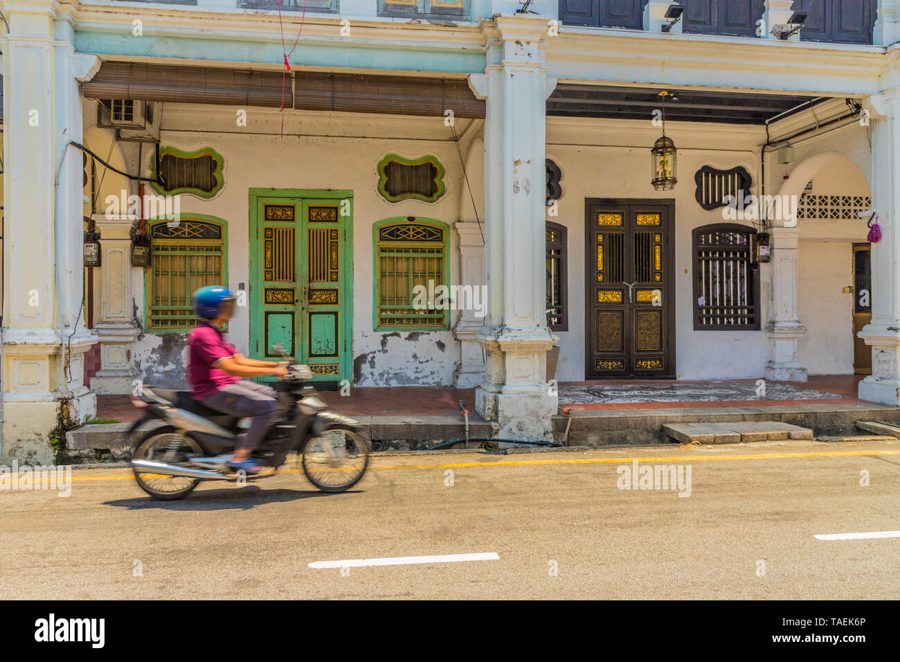 Traditional chinese shophouse architecture in George Town Malaysia - Stock Image