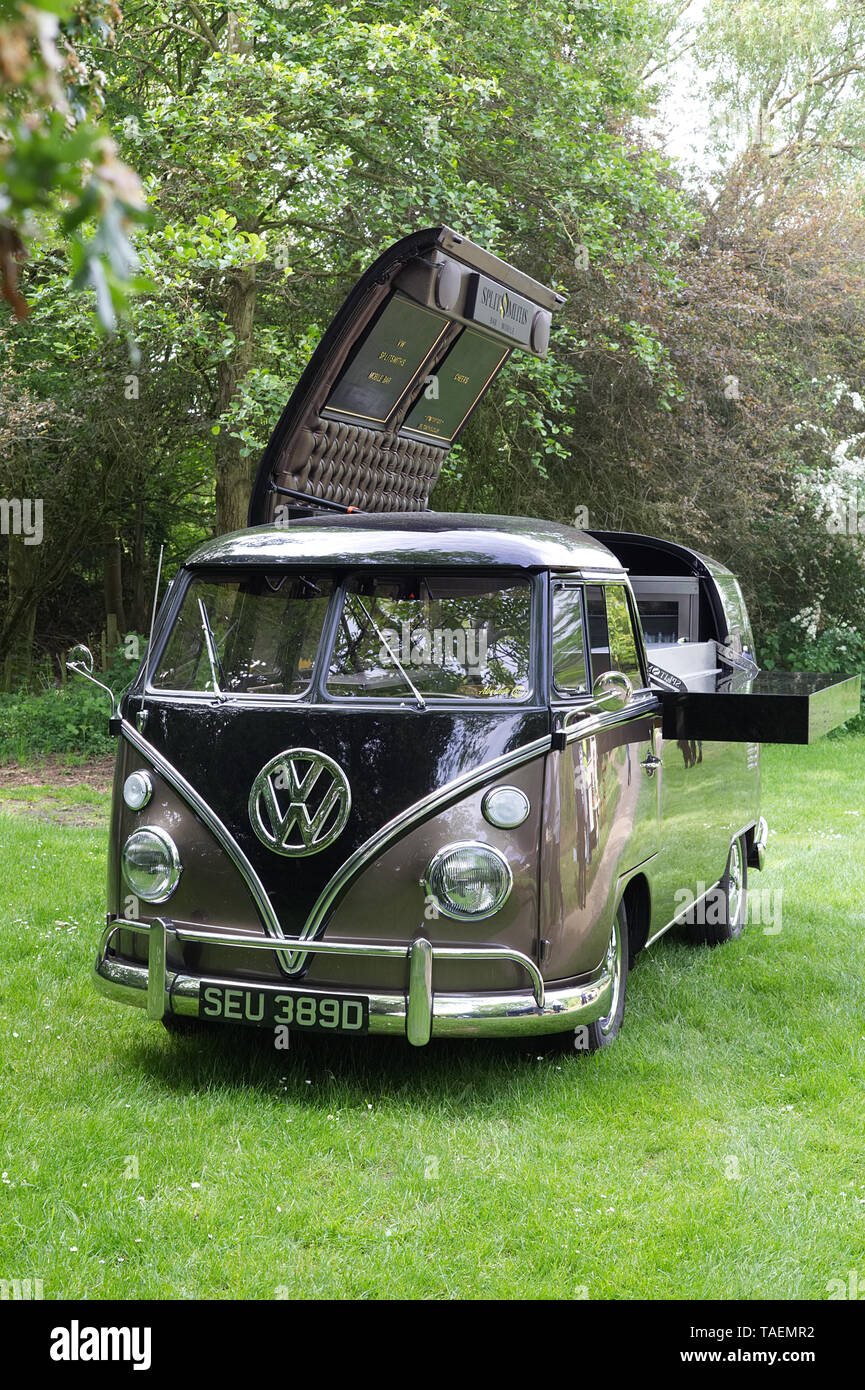 Vw Bus Bar High Resolution Stock Photography And Images Alamy