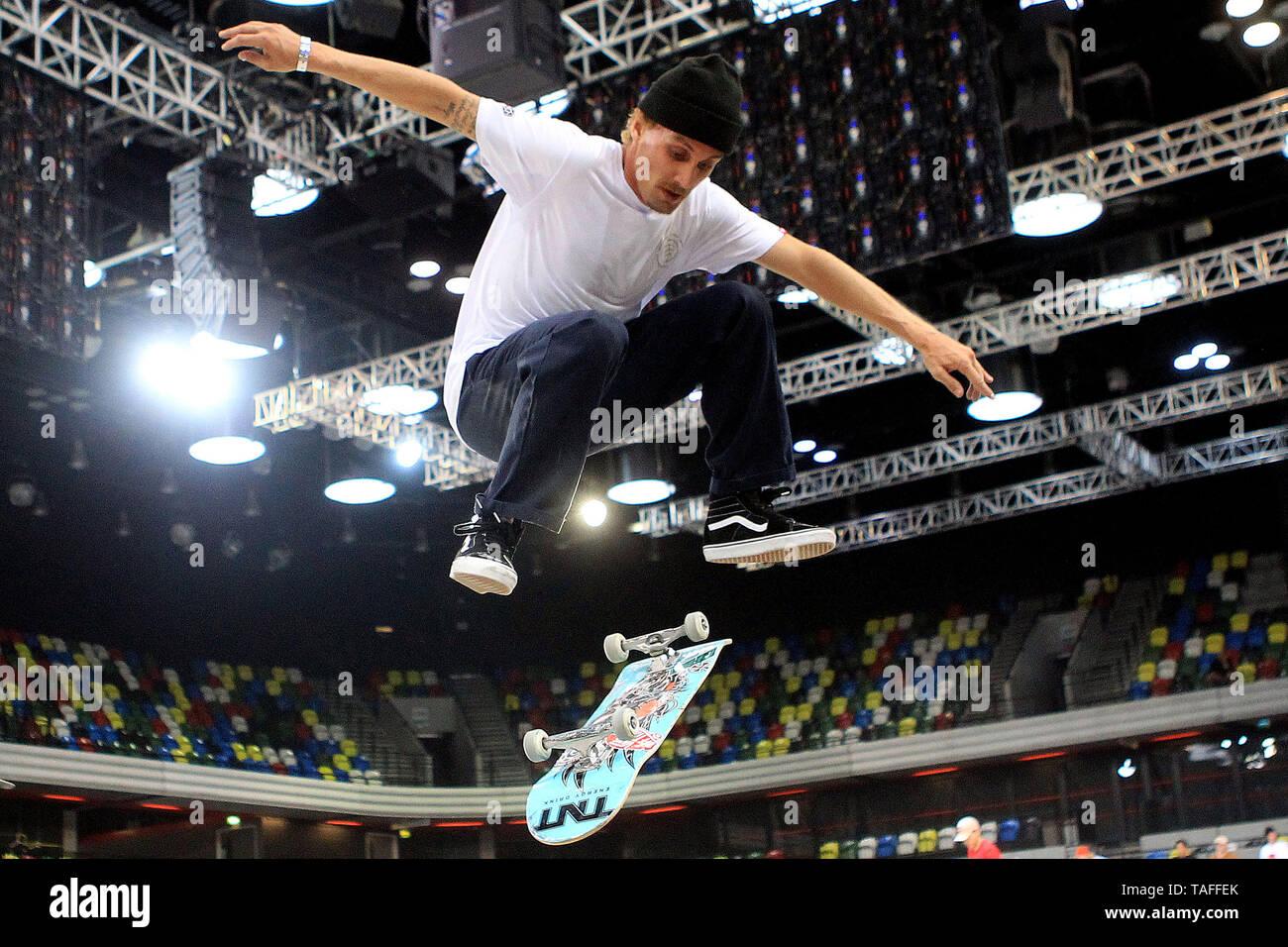 Indoor Skateboarding Action Uk Stock Photos & Indoor
