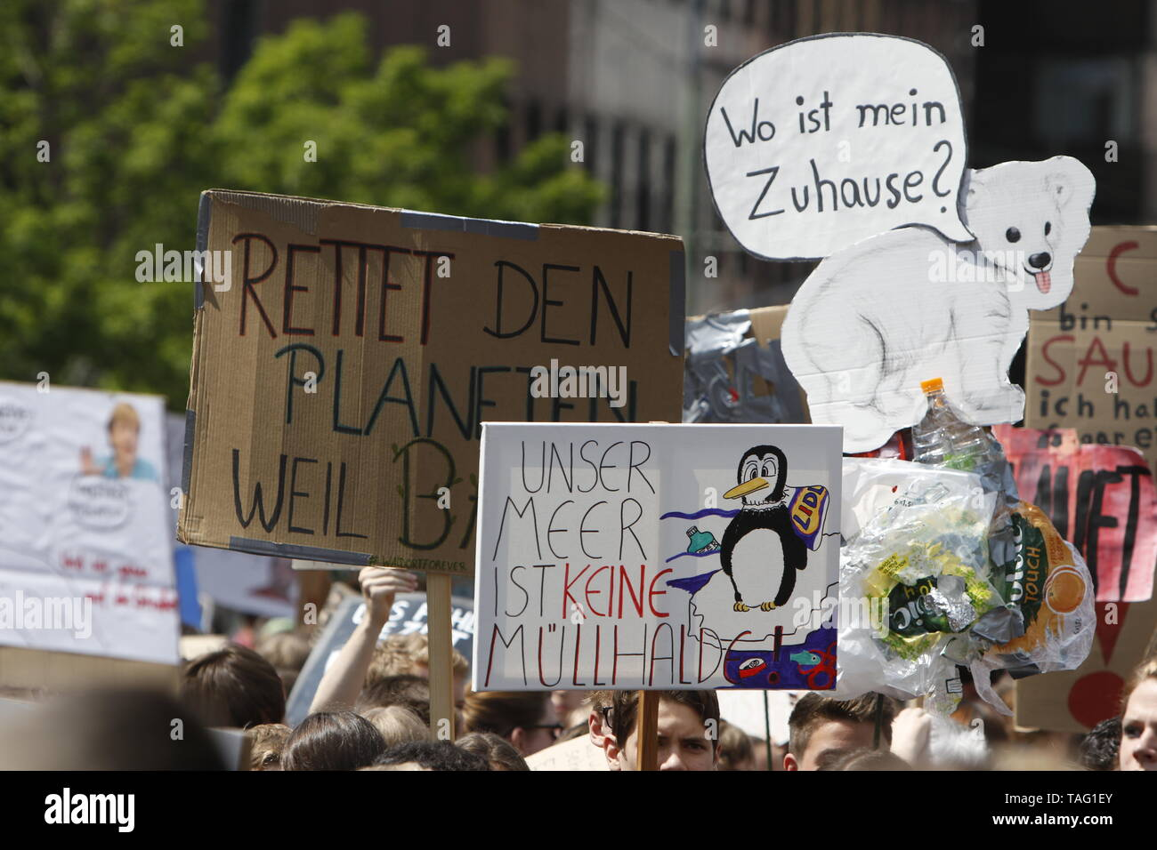 The young people assembled with self-made signs and banners for the opening rally. Around 4,500 young people marched through Frankfurt to the European Central Bank, to protest against the climate change and for the introduction of measurements against it. The protest took place as part of an Europe wide climate strike, two days ahead of the 2019 European elections. (Photo by Michael Debets/Pacific Press - Stock Image
