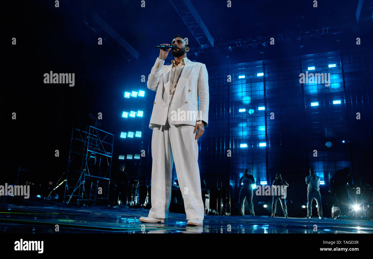 Verona, Italy. 24nd May, 2019. Italian famous singer-songwriter Marco Mengoni performs live with his Atlantico Tour 2019 in Arena of Verona, Italy. Stock Photo