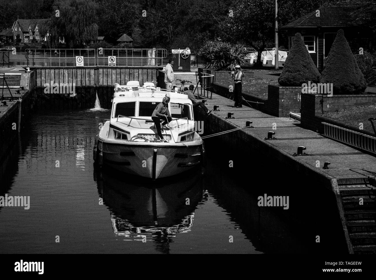 Boat Passing threw Hambledon Lock, River Thames, Berkshire, England, UK, GB. - Stock Image
