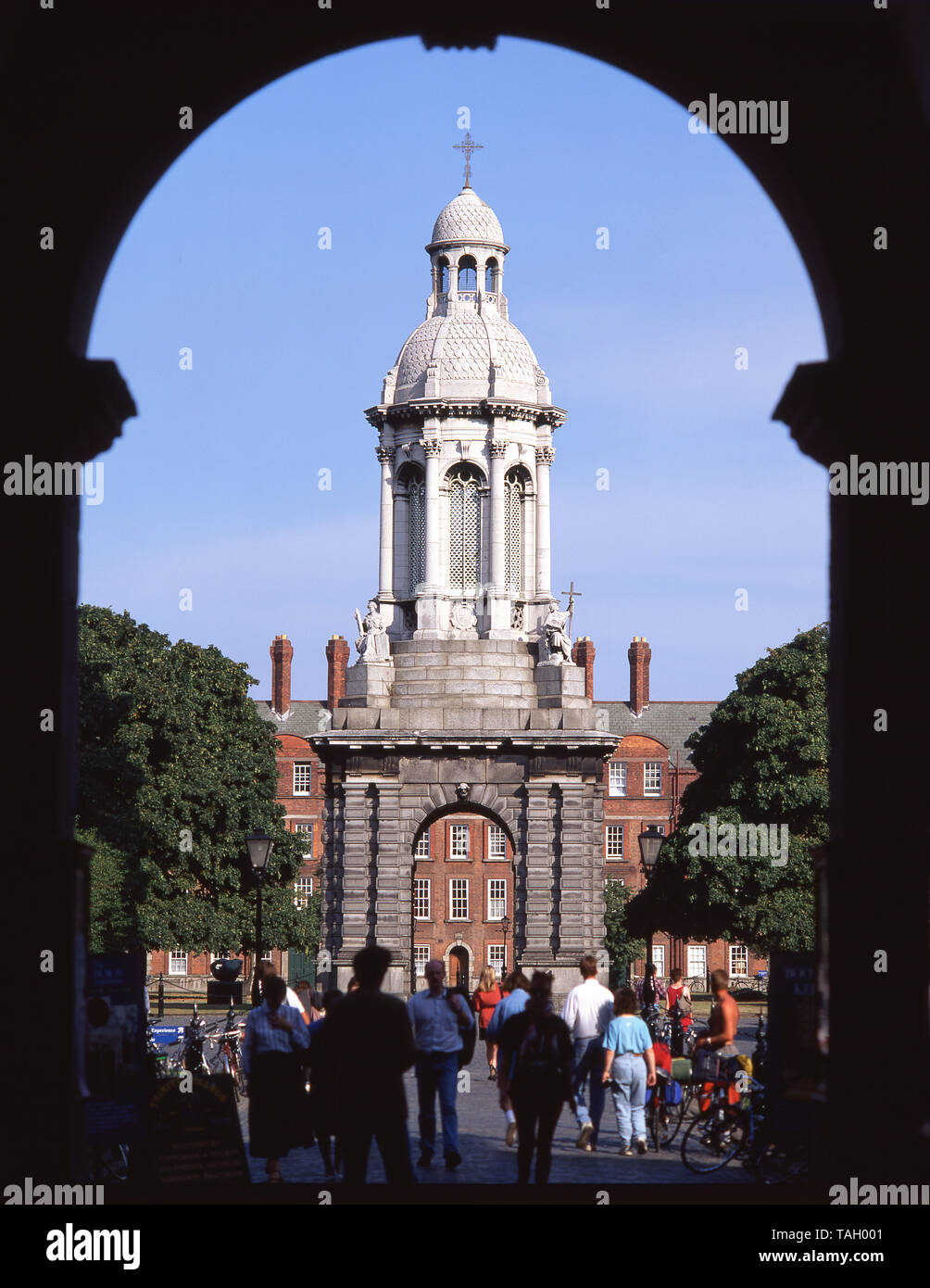 The Campanile and Parliament Square, Trinity College Dublin, College Green, Dublin, Leinster Province, Republic of Ireland Stock Photo