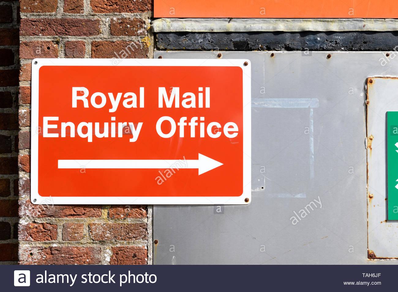 Royal Mail Enquiry Office, Blandford, Dorset, England, UK - Stock Image