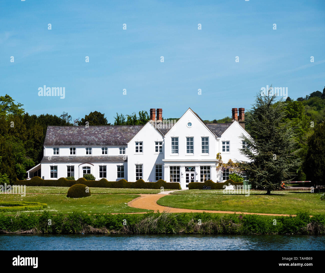 Henley Business School, Part of Reading University, Greenlands Country House, on The River Thames, Buckinghamshire, England, UK, GB. - Stock Image
