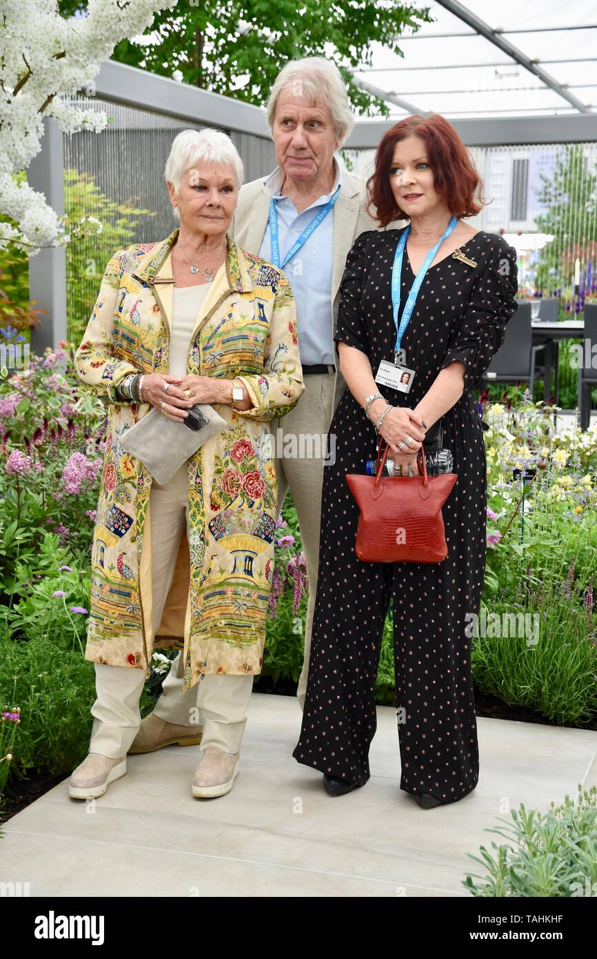 Dame Judi Dench, Daniel Mills, Finty Williams, Press Day, RHS Chelsea Flower Show, London. UK Stock Photo