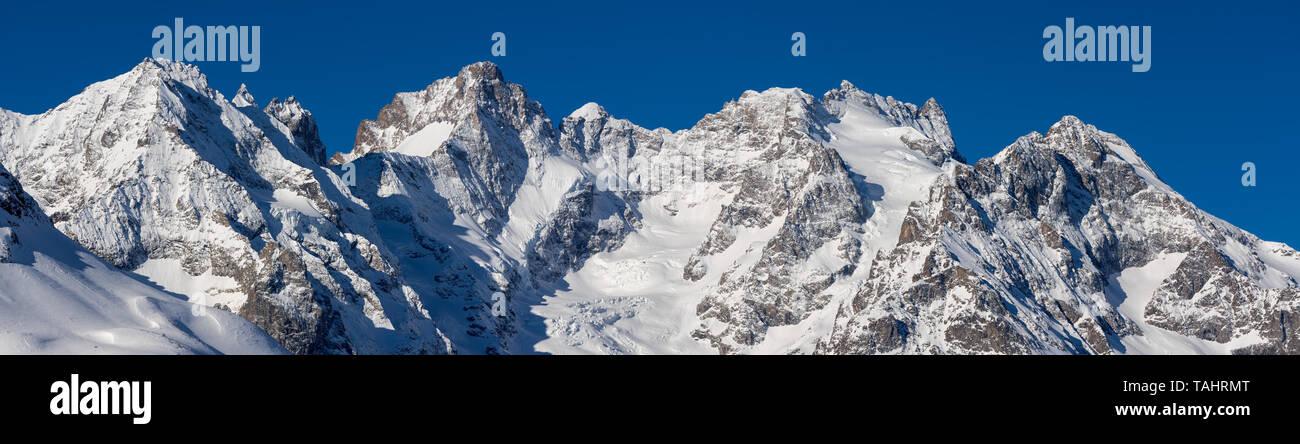 France, Hautes-Alpes (05), Col du Lautaret, Ecrins National Park - Winter panoramic view on Glacier du Lautaret, Glacier de l'Homme and Bec de l'Homme Stock Photo