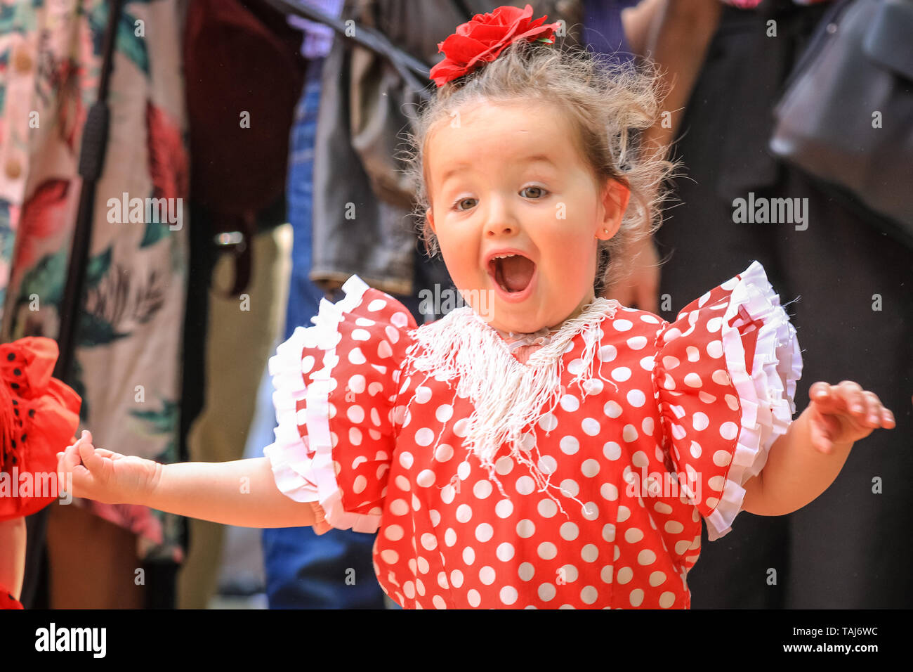 South Bank, London, UK - 25th May 2019. A young girl practices her first flamenco steps. [guardian asked for permission to photograph] The Feria de Londres is a free festival on London's South Bank presenting Spanish culture, dance, music, wine and food from May 24-26. Credit: Imageplotter/Alamy Live News - Stock Image