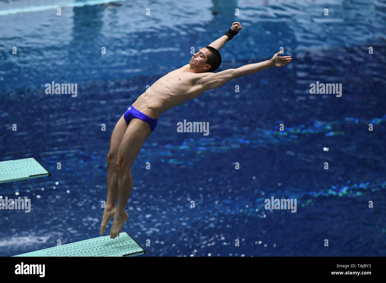 Indianapolis, Indiana, USA. 25th May, 2019. LYLE YOST dives at the University of Indiana Natatorium in Indianapolis, Indiana. Credit: Amy Sanderson/ZUMA Wire/Alamy Live News - Stock Image