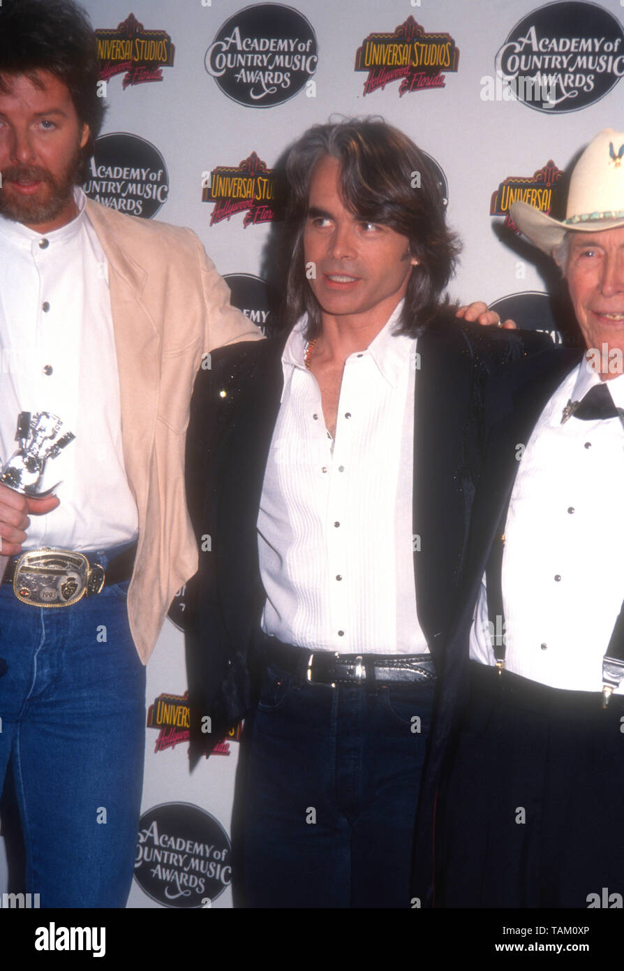 hal ketchum high resolution stock photography and images alamy https www alamy com universal city california usa 3rd may 1994 singer hal ketchum attends the 29th annual academy of country music awards on may 3 1994 at the gibson amphitheatre in universal city california usa photo by barry kingalamy stock photo image247531502 html