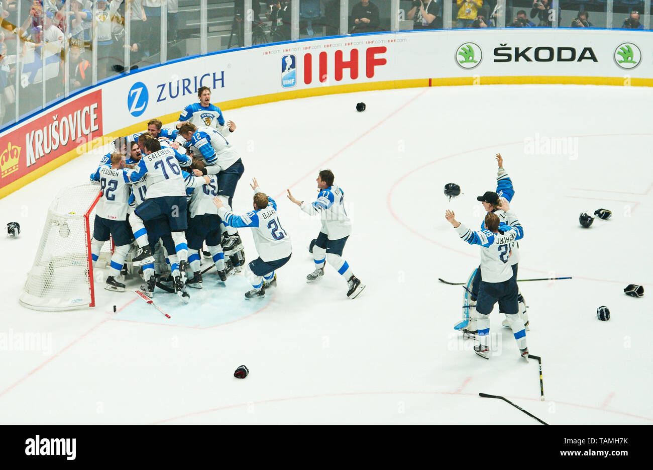 Bratislava, Slovakia. 26th May, 2019. Finland won the title and celebrate, Cheering, joy, emotions, celebrating, laughing, cheering, rejoice, tearing up the arms, clenching the fist, celebrate, celebration, Torjubel, CANADA - FINLAND 1-3 Kanada - Finnland FINAL IIHF ICE HOCKEY WORLD CHAMPIONSHIPS in Bratislava, Slovakia, Slowakei, May 26, 2019, Season 2018/2019, Credit: Peter Schatz/Alamy Live News - Stock Image