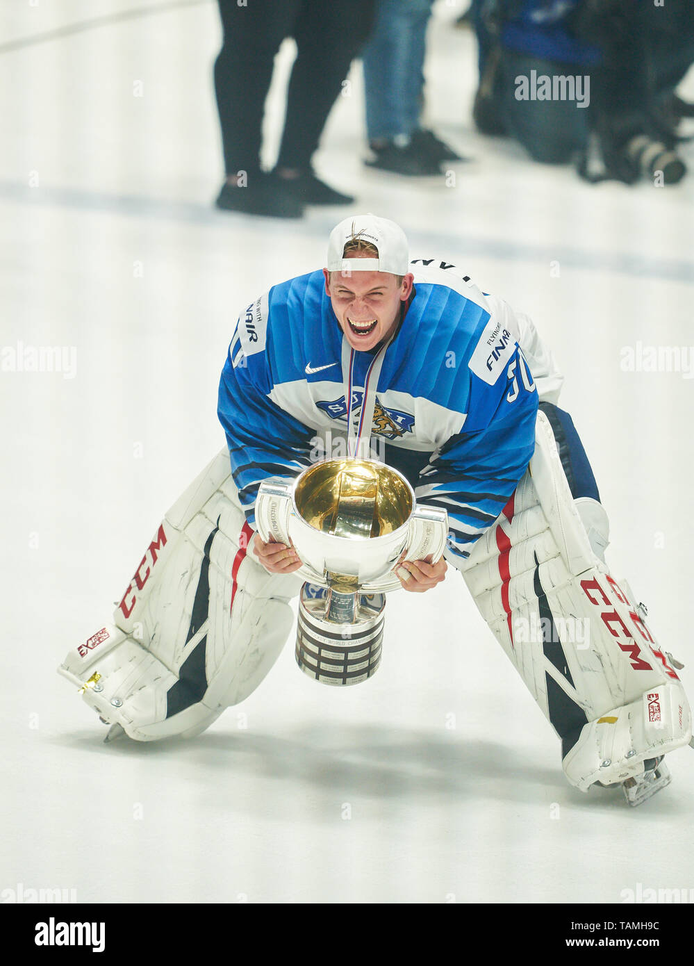 Bratislava, Slovakia. 26th May, 2019. Kevin LANKINEN, FIN 30 goalkeeper, Finland won the title and celebrate, Cheering, joy, emotions, celebrating, laughing, cheering, rejoice, tearing up the arms, clenching the fist, celebrate, celebration, Torjubel, CANADA - FINLAND 1-3 Kanada - Finnland FINAL IIHF ICE HOCKEY WORLD CHAMPIONSHIPS in Bratislava, Slovakia, Slowakei, May 26, 2019, Season 2018/2019, Credit: Peter Schatz/Alamy Live News - Stock Image