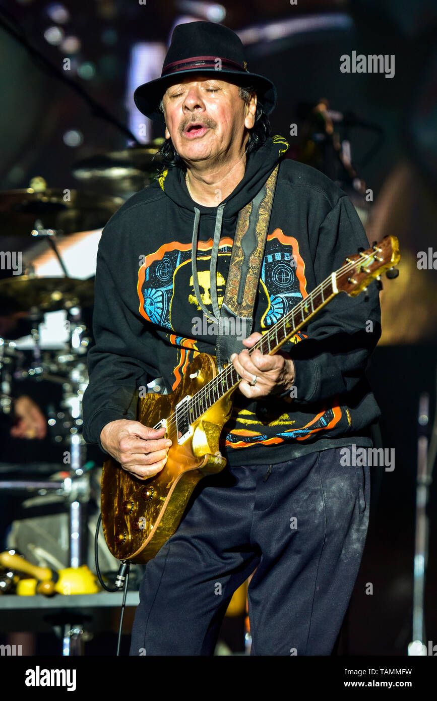 Napa, USA. 26th May, 2019. Napa, California, May 26, 2019, Carlos Santana on stage at the 2019 Bottle Rock Festival, Day3 BottleRock Credit: Ken Howard/Alamy Live News Stock Photo