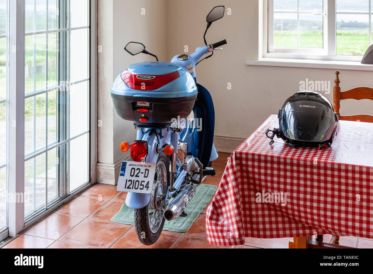 50cc Scooter Stock Photos & 50cc Scooter Stock Images - Alamy
