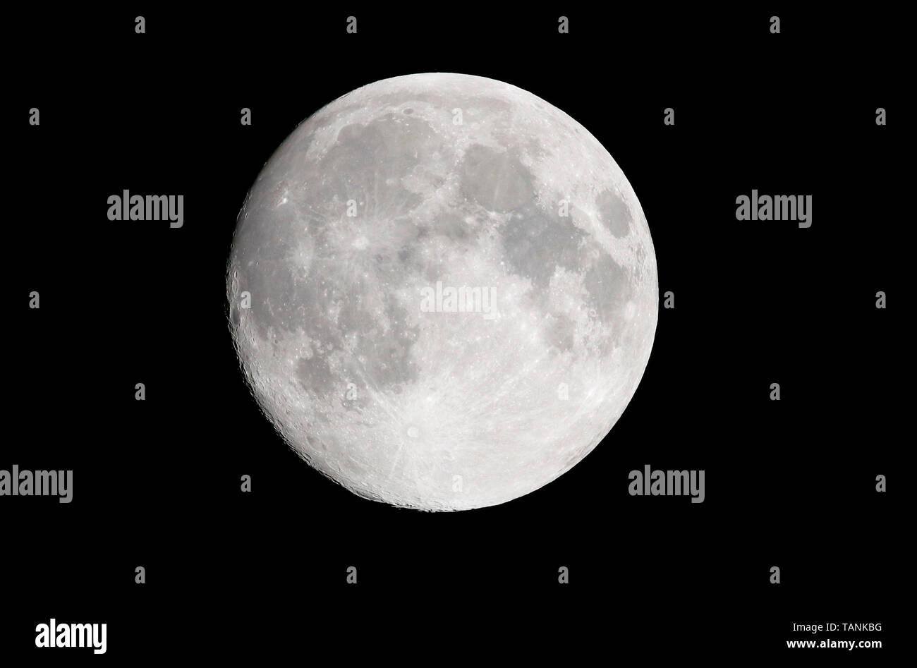 Mond, Berlin  (nur fuer redaktionelle Verwendung. Keine Werbung. Referenzdatenbank: http://www.360-berlin.de. © Jens Knappe. Bildquellennachweis: Jens - Stock Image