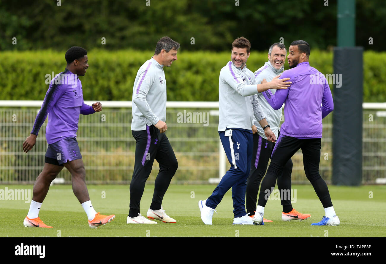 Tottenham Hotspur Manager Mauricio Pochettino Centre During The Training Session At Enfield Training Ground London Stock Photo Alamy