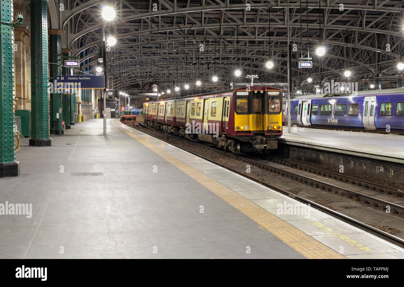 Scotrail class 314 electric train at Glasgow Central railway station - Stock Image