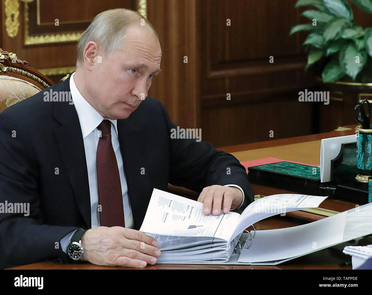 Moscow, Russia. 27th May, 2019. MOSCOW, RUSSIA - MAY 27, 2019: Russia's President Vladimir Putin during a meeting with Russian Presidential Commissioner for Entrepreneurs' Rights Boris Titov at the Moscow Kremlin. Mikhail Klimentyev/Russian Presidential Press and Information Office/TASS Credit: ITAR-TASS News Agency/Alamy Live News - Stock Image
