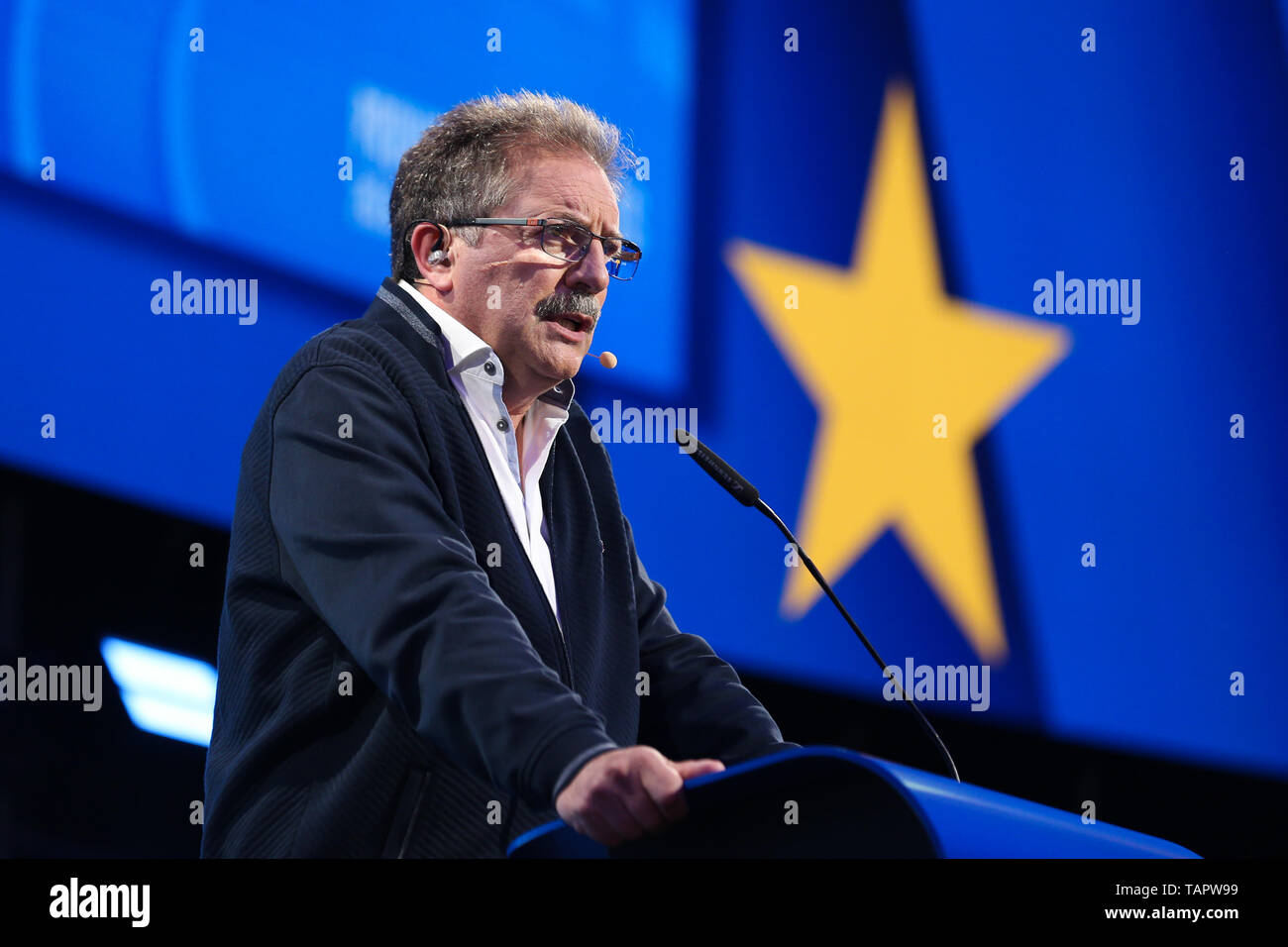 Brussels, Belgium. 27th May 2019. European Left lead candidate to the Presidency of the European Commission Nico Cue speaks at the European Parliament in Brussels, Belgium, May 27, 2019. Voters in Germany, Lithuania, Cyprus, Bulgaria, Greece and Italy cast their ballots on Sunday in elections to the European Parliament (EP). Credit: Xinhua/Alamy Live News Stock Photo