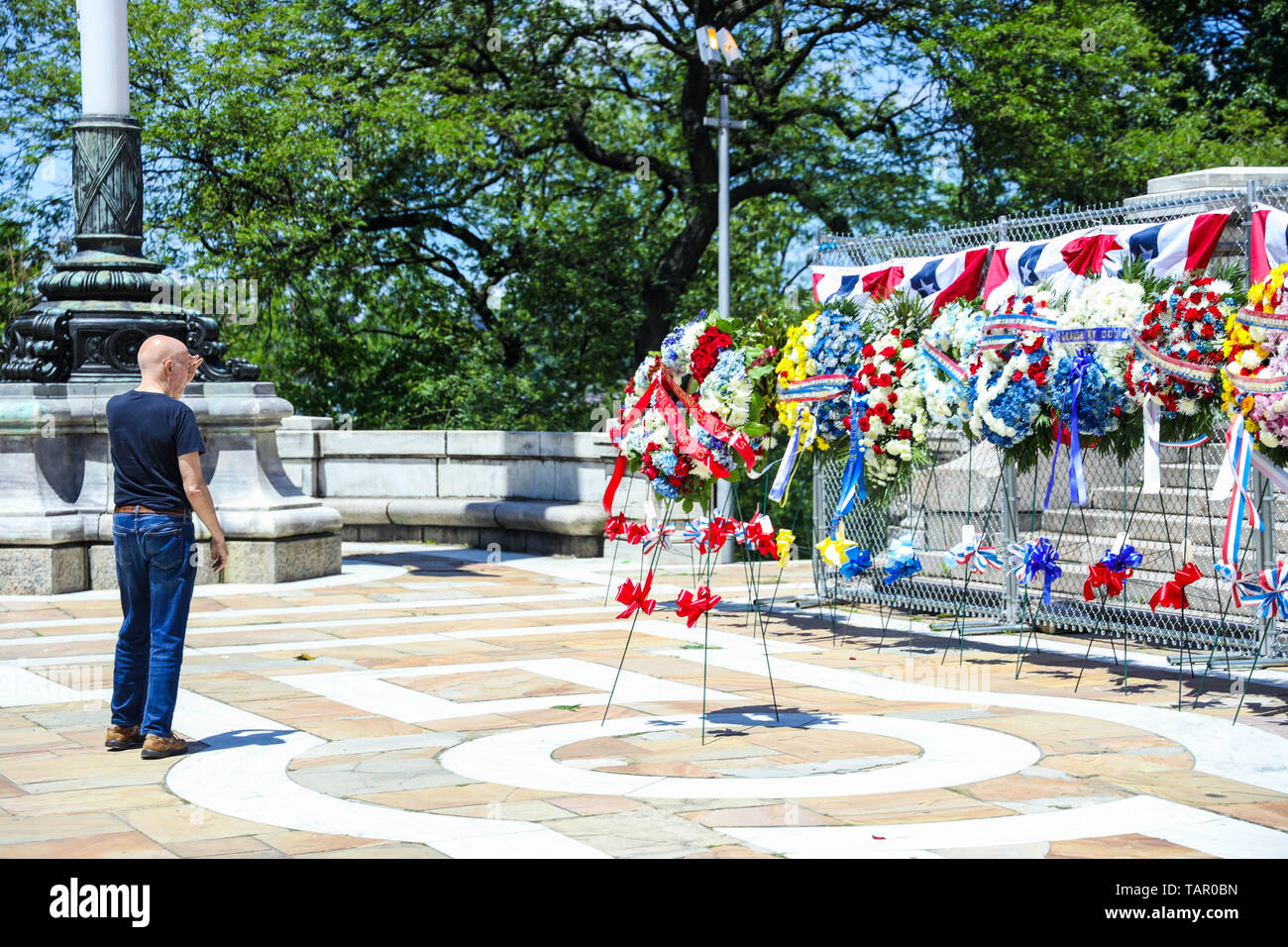New York, New York, USA. 27th May, 2019. View of the Soldiers and Sailors Monument in Manhattan in New York in the United States this Monday, 27th day that is celebrated Memorial Day. Credit: William Volcov/ZUMA Wire/Alamy Live News Stock Photo