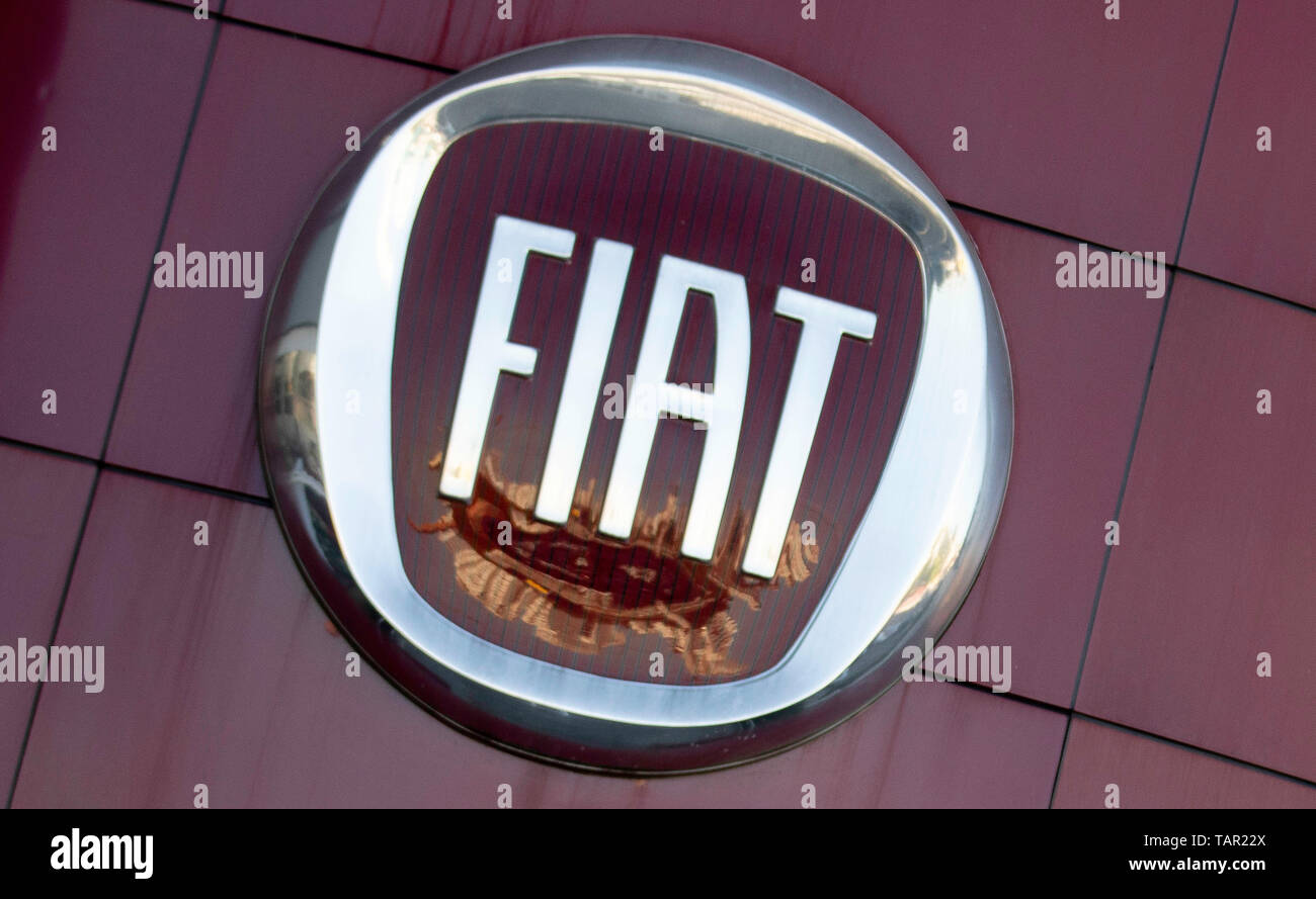 SÃO PAULO, SP - 27.05.2019: FIAT E RENAULT PODEM SE JUNTAR - Logo of Fiat is seen in a concessionaire of the company in the south zone of São Paulo, the afternoon of this Monday (27). The company is studying merger with France's Ren, ct, creating one of the largest automakers in the world. (Photo: Bruno Rocha/Fotoarena) Stock Photo