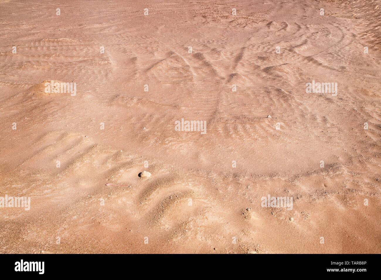 Empty sandy plain surface. Martian like deserted landscape - Stock Image