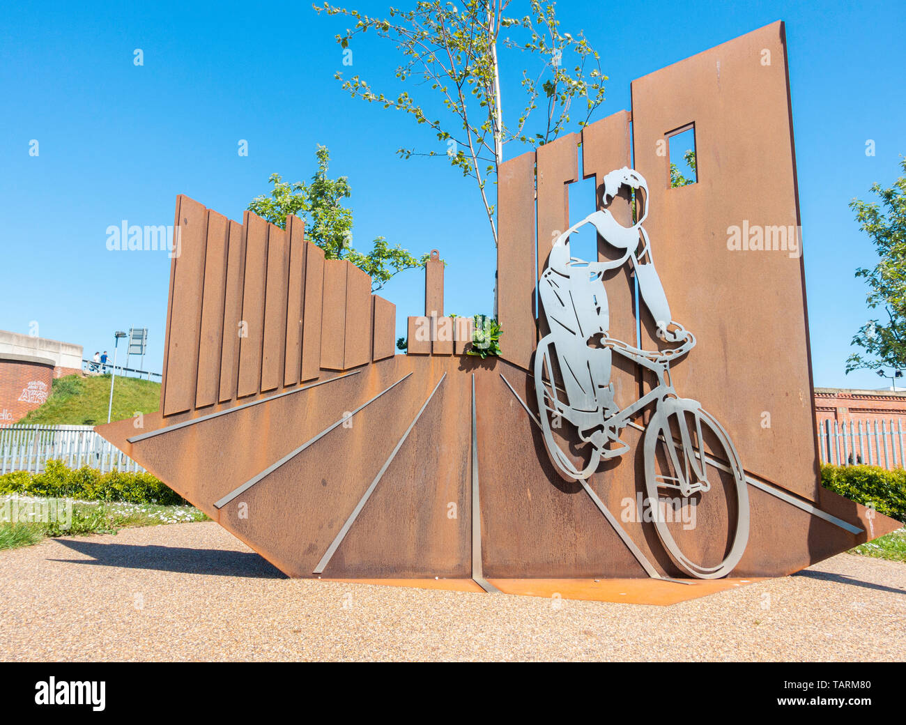 """Boy and Bicycle sculpture in Hartlepool. A tribute to Ridley Scott's first film """"Boy and Bicycle"""" (1965) which was filmed in Hartlepool. - Stock Image"""