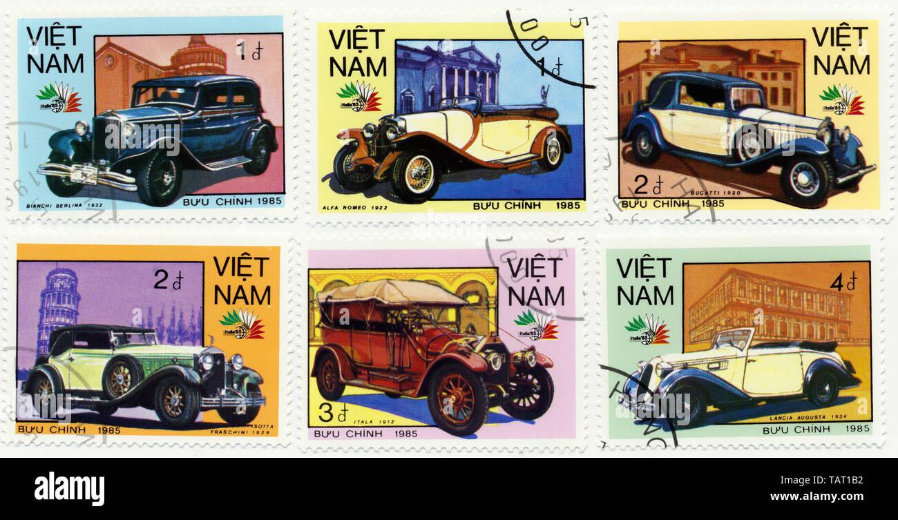 Historic postage stamps from Vietnam, Historische Briefmarken aus Vietnam, 1985,  internationale Oldtimer, Bugatti, Alfa Romeo, Lancia, Biachi, Isotta - Stock Image