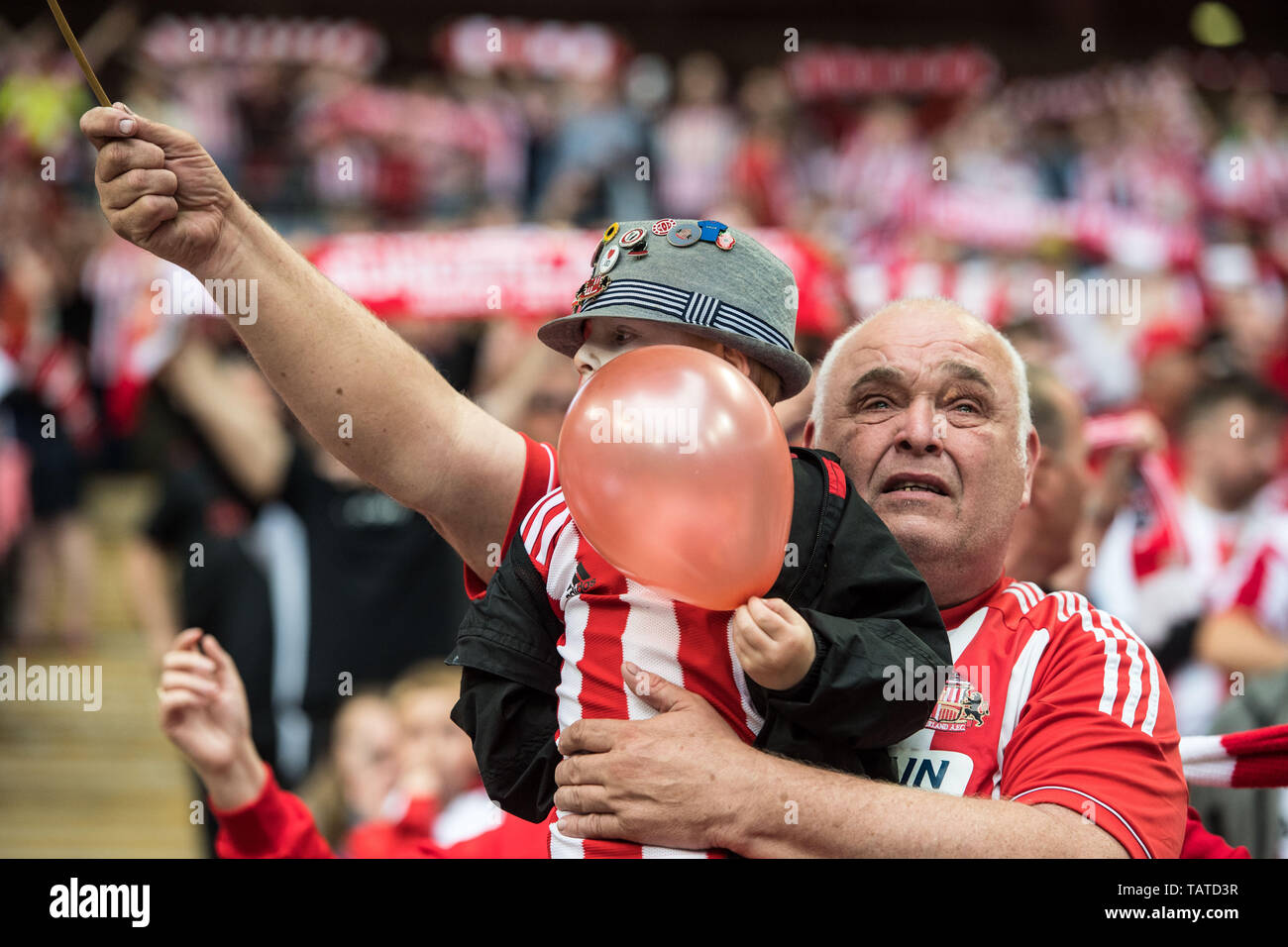 LONDON, ENGLAND - MAY 26: Sunderland  fans during the Sky Bet League One Play-off Final match between Charlton Athletic and Sunderland at Wembley Stadium on May 26, 2019 in London, United Kingdom. (Photo by Sebastian Frej/MB Media/Getty Images) - Stock Image