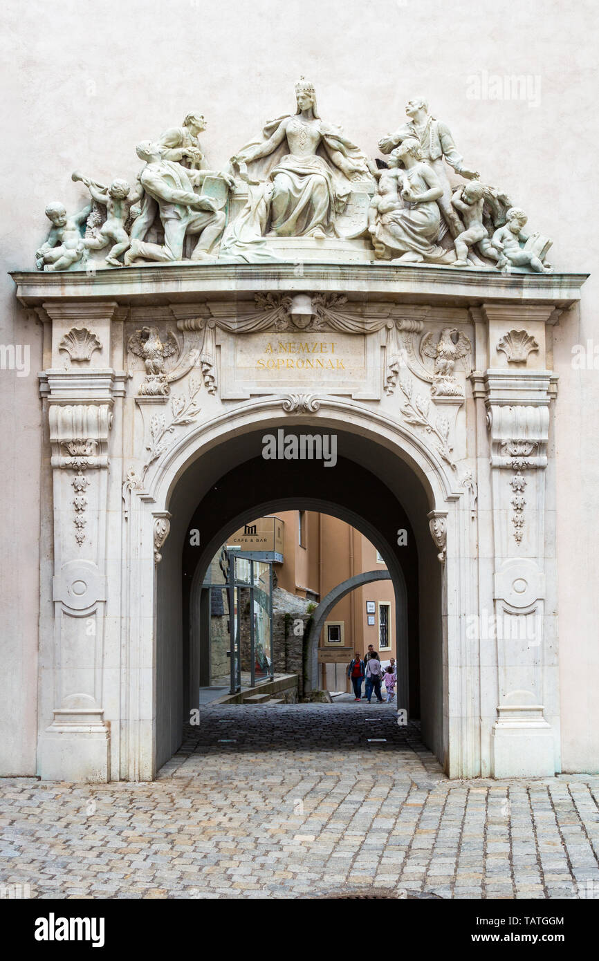 Fidelity Gate in Sopron, Hungary. Caption says: The nation gives this to Sopron - Stock Image