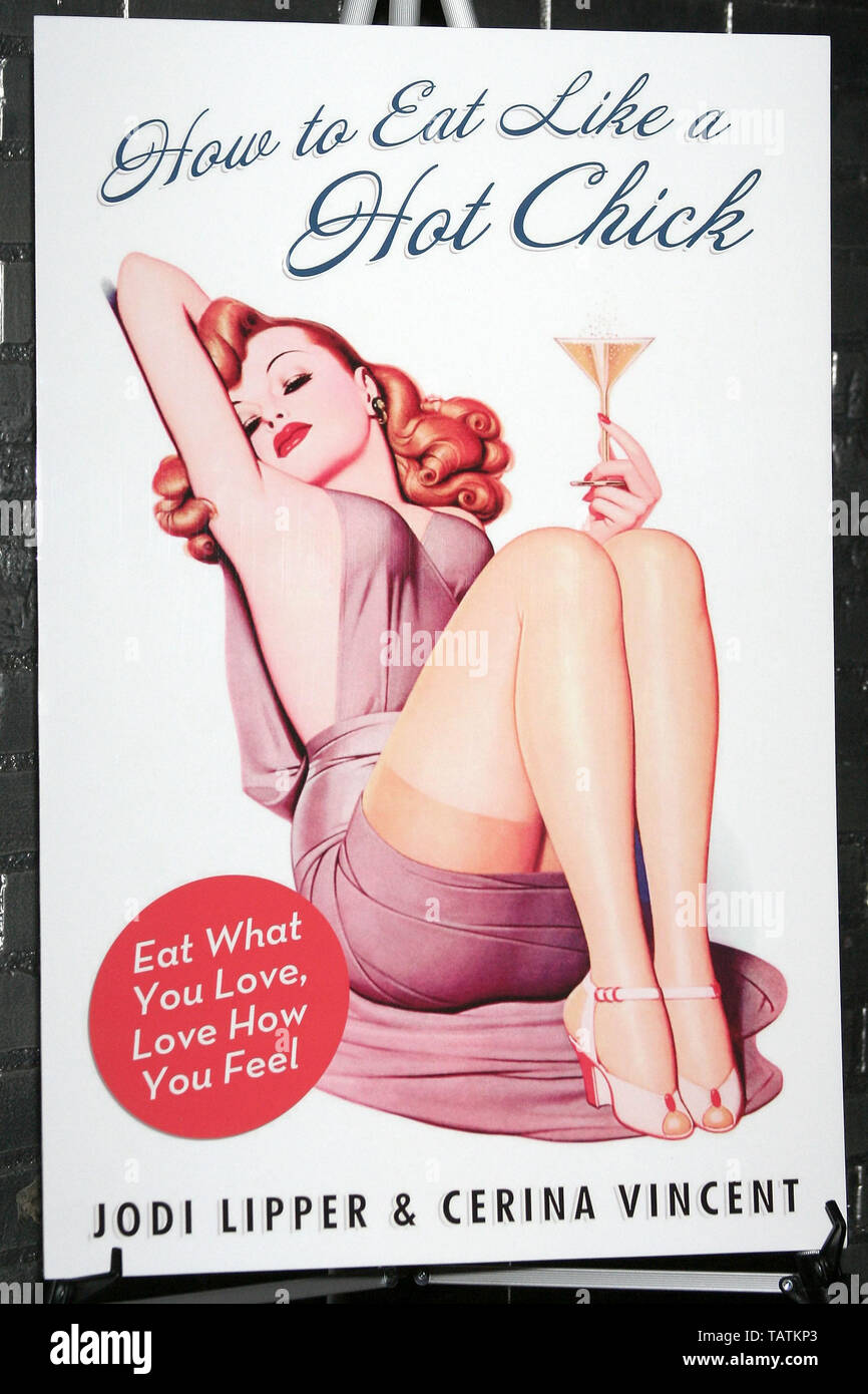 New York, USA. 10 January, 2008. Atmosphere, poster at the 'How to Eat Like a Hot Chick' Book Release Party at Club Stereo. Credit: Steve Mack/Alamy - Stock Image