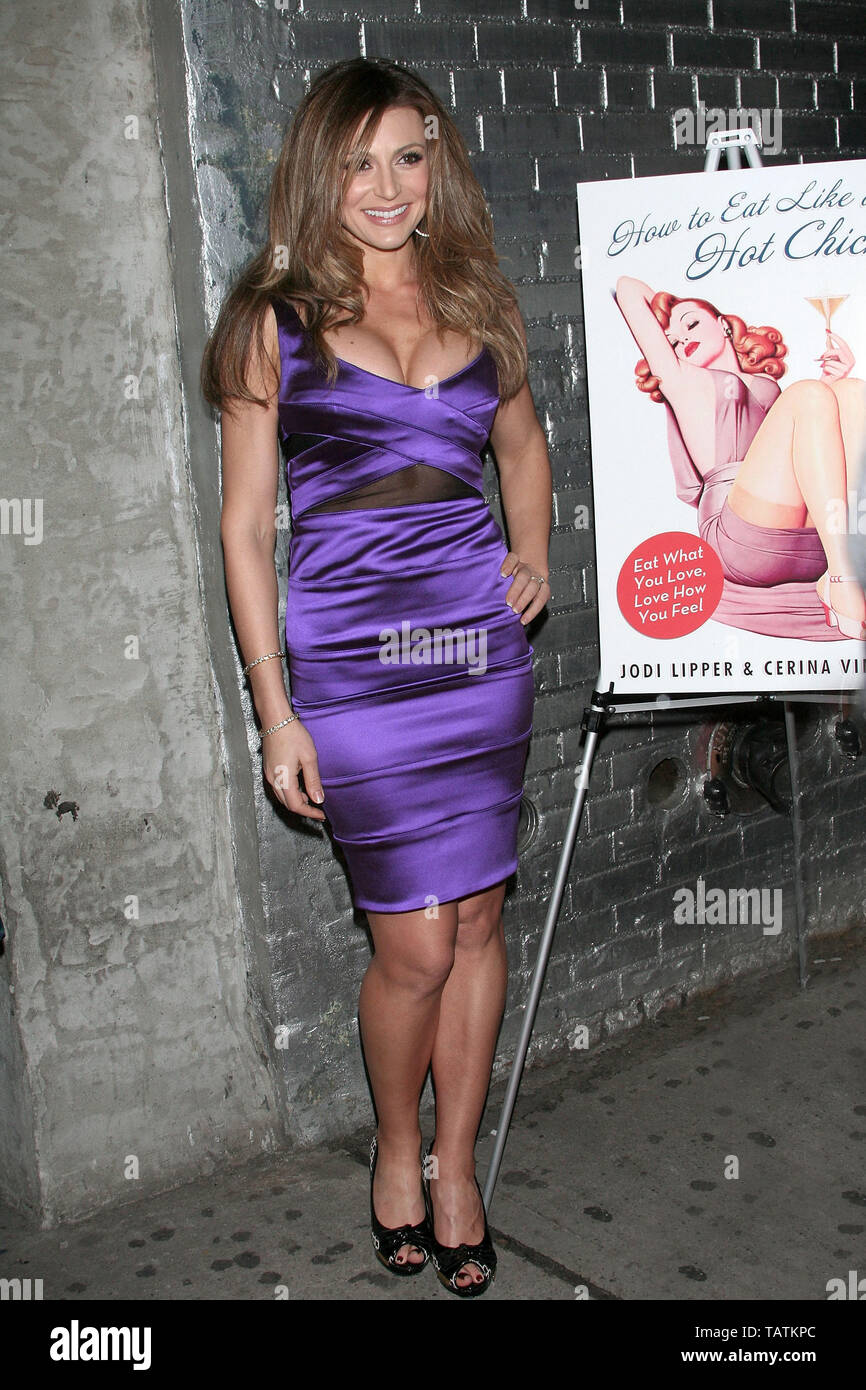 New York, USA. 10 January, 2008. writer/editor, Jodi Lipper at the 'How to Eat Like a Hot Chick' Book Release Party at Club Stereo. Credit: Steve Mack/Alamy - Stock Image