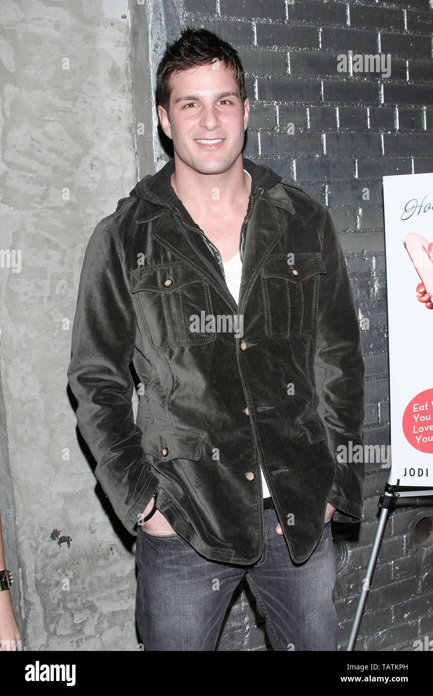 New York, USA. 10 January, 2008. Actor, Jay Jablonski at the 'How to Eat Like a Hot Chick' Book Release Party at Club Stereo. Credit: Steve Mack/Alamy - Stock Image