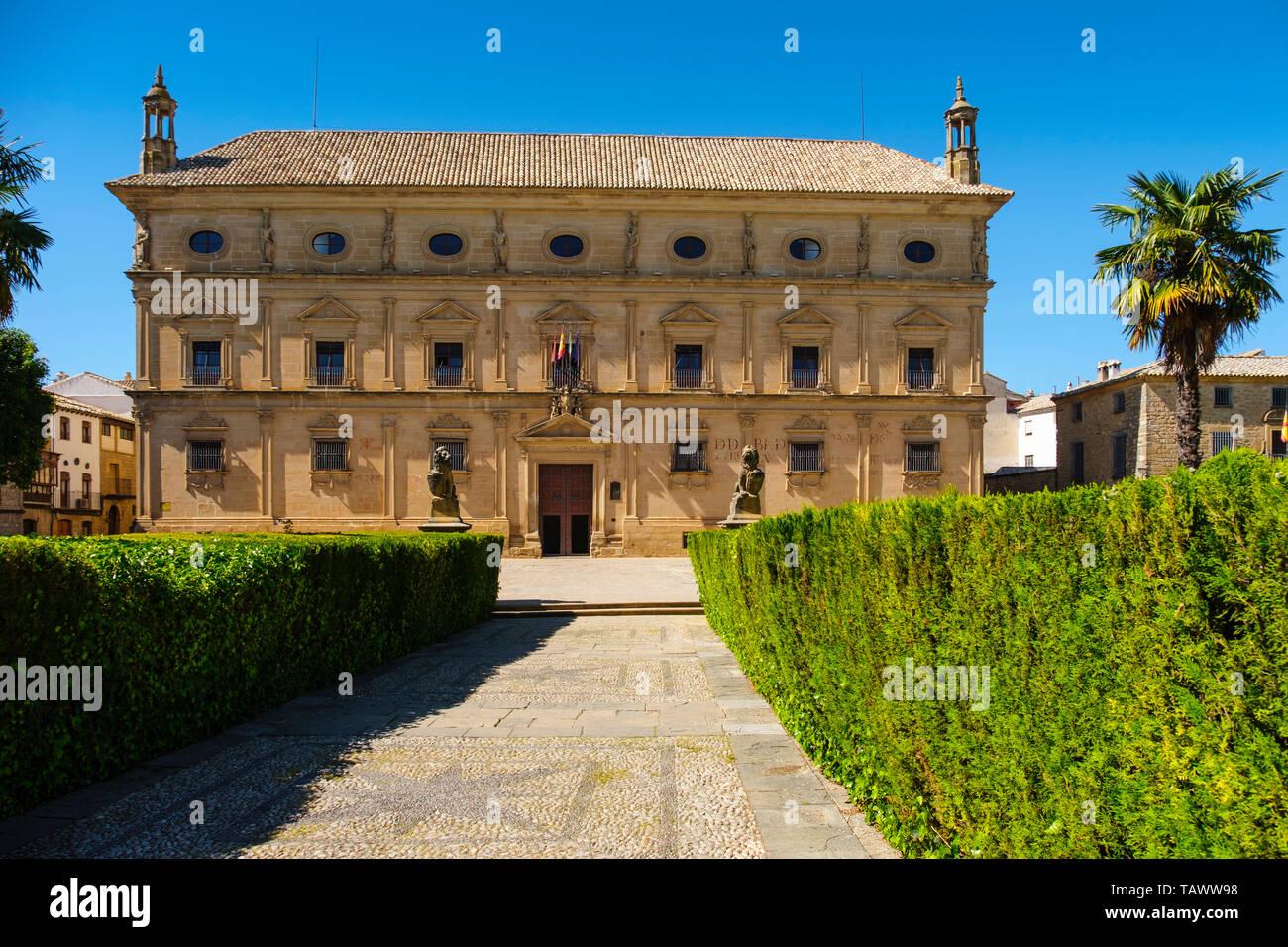 Town Hall, Palacio de las Cadenas by architect Andrés de Vandelvira in plaza Vazquez de Molina. Ubeda, Jaén province. southern Andalusia. Spain Europe - Stock Image