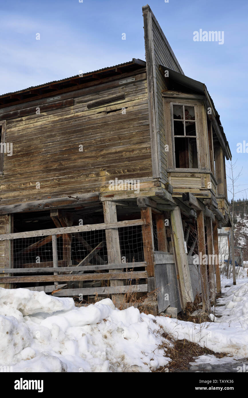 Ruined building in the historic gold-mining town of Dawson City, Yukon, Canada - Stock Image