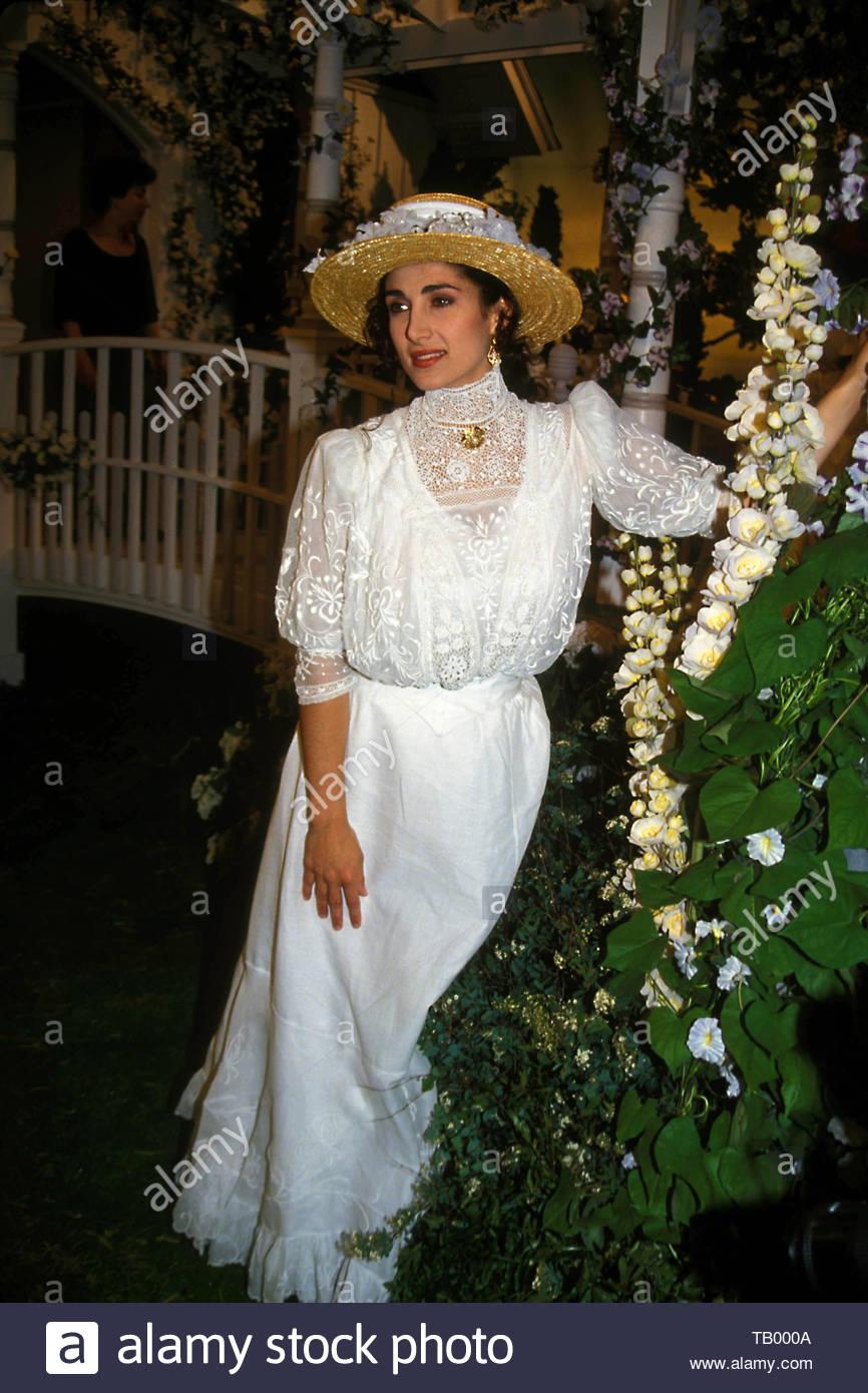 Melina Kanakarades At The Wedding Of Maeve Kincaid And Jordan Clarke In The 'Guiding Light' 06-11-1993. . Credit: 3096852Globe Photos/MediaPunch - Stock Image