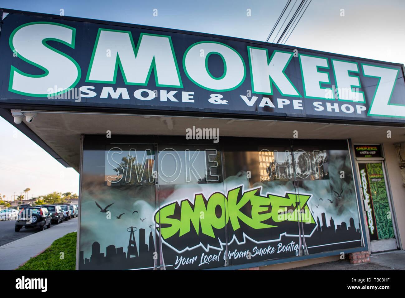 Vape Shop Stock Photos & Vape Shop Stock Images - Alamy